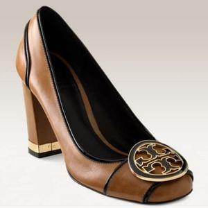 TORY BURCH Dewie Logo Medallion Cognac Chunky Heel